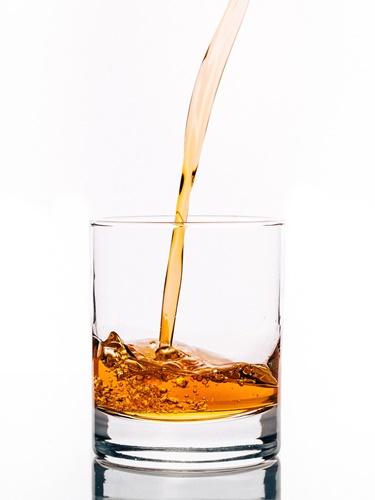 注がれる酒